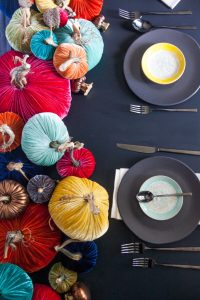 velvet-pumpkin-matte-black-tablescape-16-copy-e1477336067279